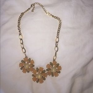 Pink flowered chunky necklace!