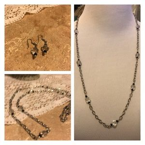 Long necklace & matching earrings