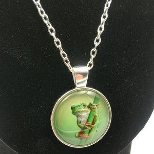 🆕 Frog Glass Cabochon Pendant Necklace