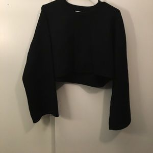 Cropped wide sleeved sweater