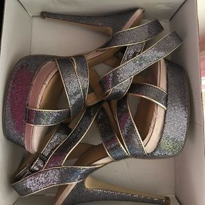 ShoeDazzle Saika Grey Sparkling Heel Size 9.5