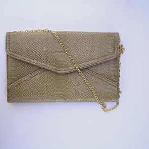 Great Condition Patent Envelope Clutch Purse