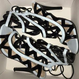 ShoeDazzle Alonsa Blue Black Heels 9.5
