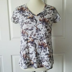🚚 NWOT Uniqlo Vintage Gray Floral Print Tee XS