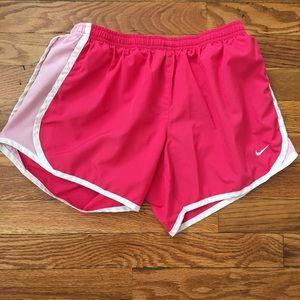 Women's / Girls Nike shorts!!