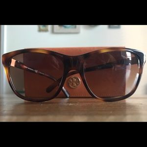 Tory Burch Women's Sunglasses - Tortoise / Brown