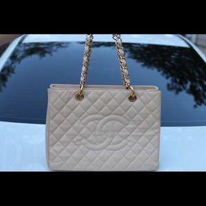 Chanel Tote !