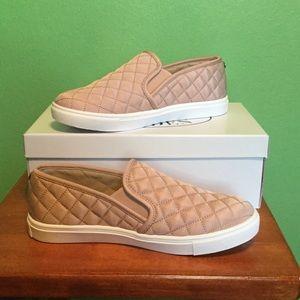 NWT Steve Madden Slip On Sneaker