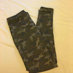 H&M camo jeans