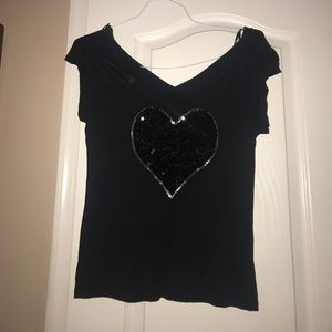 Black t-shirt with sequin heart
