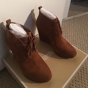 NEW Michael Kors Suede Pierce lace up wedge boots