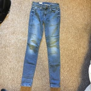 Never worn GAP jeans, size 24