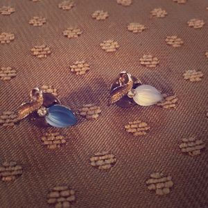 Jewelry - Lovely Small Vintage Lapel Pins Brooches