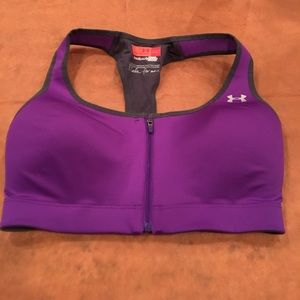 NWOT Under Armor 34D Sports Bra Small Compression