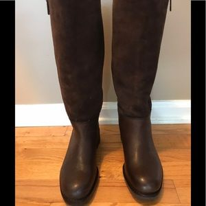 Woman's Coach Brown Boots SZ 6