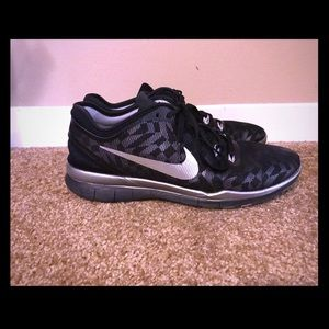 Black and SilverNike TR Fit 5