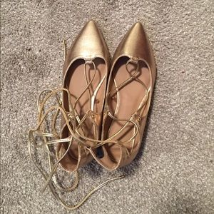 NWOT Old Navy Gold Ballet Flats