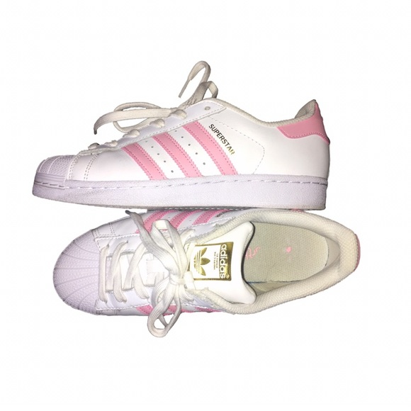 56% OFF Adidas zapatos rosa claro Superstar poshmark