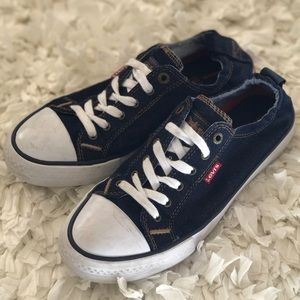 Levi's Canvas Sneakers