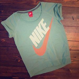 Short Sleeve Nike Top