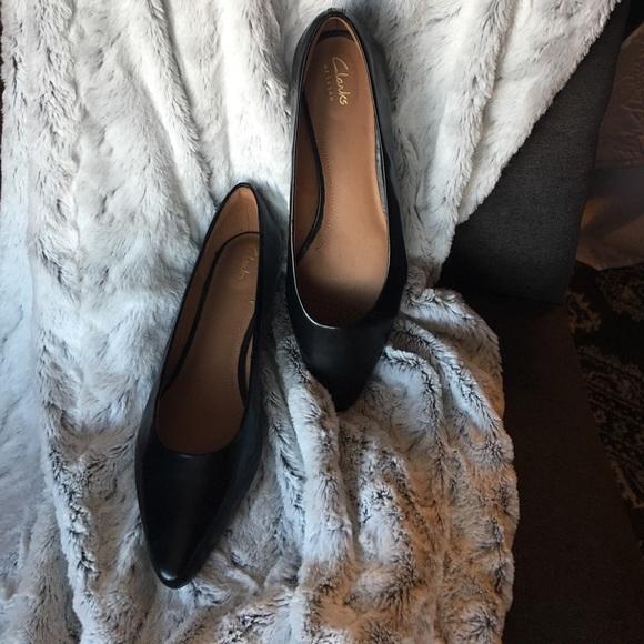 627a330d95cb3 Clarks Shoes | Corabeth Abby Black Leather Flat Size 9 | Poshmark
