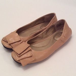 Nude Flat by Me Too