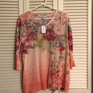 Tops - Beautiful floral CJ Banks Blouse