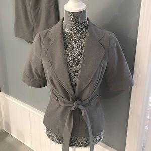 Gray striped short sleeves blazer