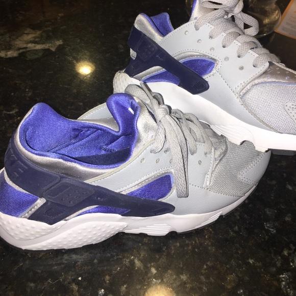 boys 6.5 grey and blue Nike huaraches