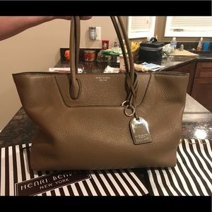 Henri Bendel Noho tote in otter 💯 authentic