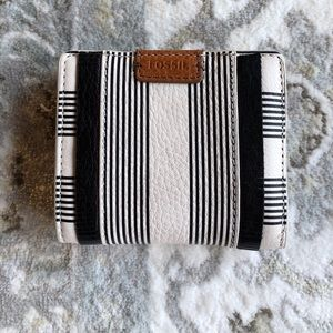 Fossil Emma Mini Wallet NWOT