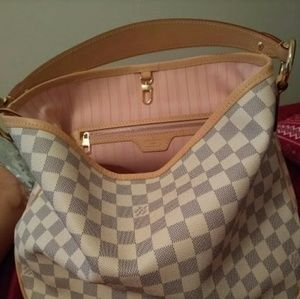 2543c8aa1261 Louis Vuitton Bags - Louis Vuitton purse