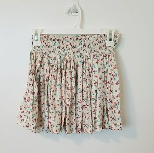 H&M Divided floral pleated skirt
