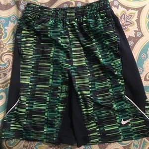 Boys size7 Nike dri-fit shorts In EUC