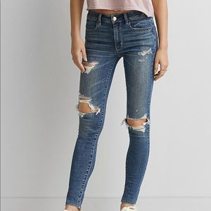 American Eagle Hi Rise Jegging Distressed