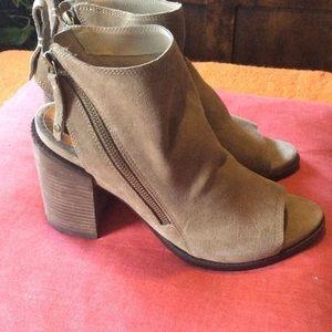 Dolce vita tan shoes size 10 NWOT