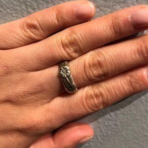 Tiffany's flower ring