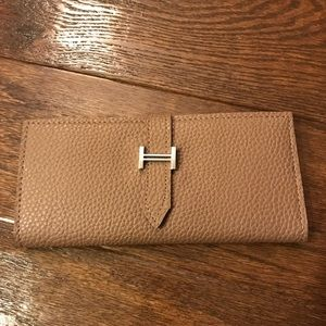 Cute Brown Wallet looks like Hermes