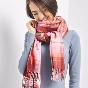 Gap Cozy Plaid Scarf in French Pink
