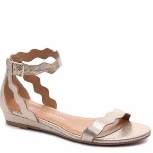 NEW Chinese Laundry Sunshine Wedge Sandal