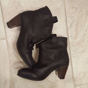 Brown heeled boots!