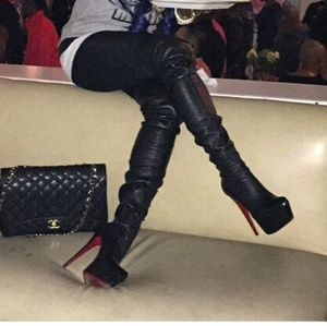design intemporel ef122 a2674 Christian Louboutin thigh high boots