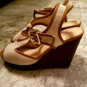 8 wide tan and brown wedges