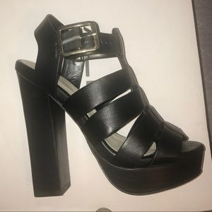 NEW ALDO strap heel