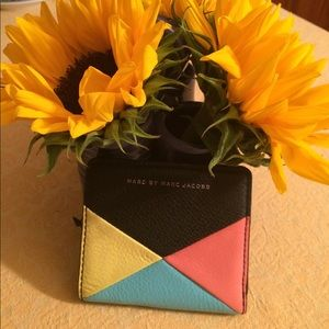 Marc Jacobs Sophisticato Geometric Emy wallet