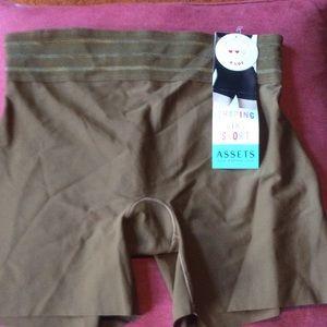 SPANX bronzed shorts size L