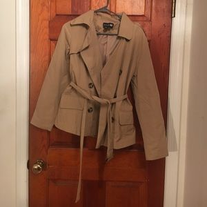 Trench/rain coat
