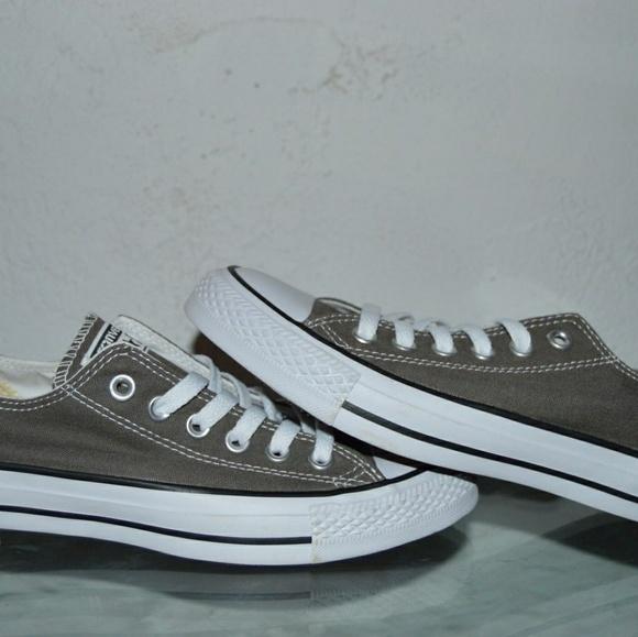 d9108ba18a16 Converse Shoes - Unisex Gray Converse Size 5 Men   Women Size 7