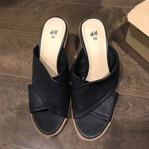 H&M Sandal Mule. In great Condition!!!!