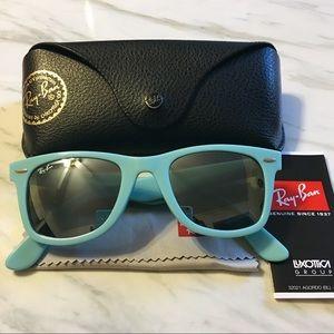 Ray-Ban Wayfarer Turquoise Sunglasses